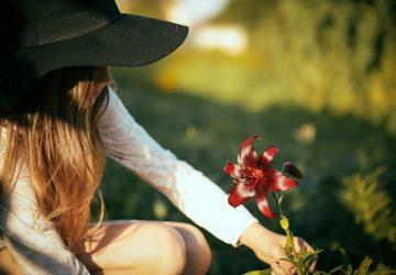 Dit Is Waarom Je Eigenlijk Ongelukkig Bent Met Je Leven, Op Basis Van Je Sterrenbeeld