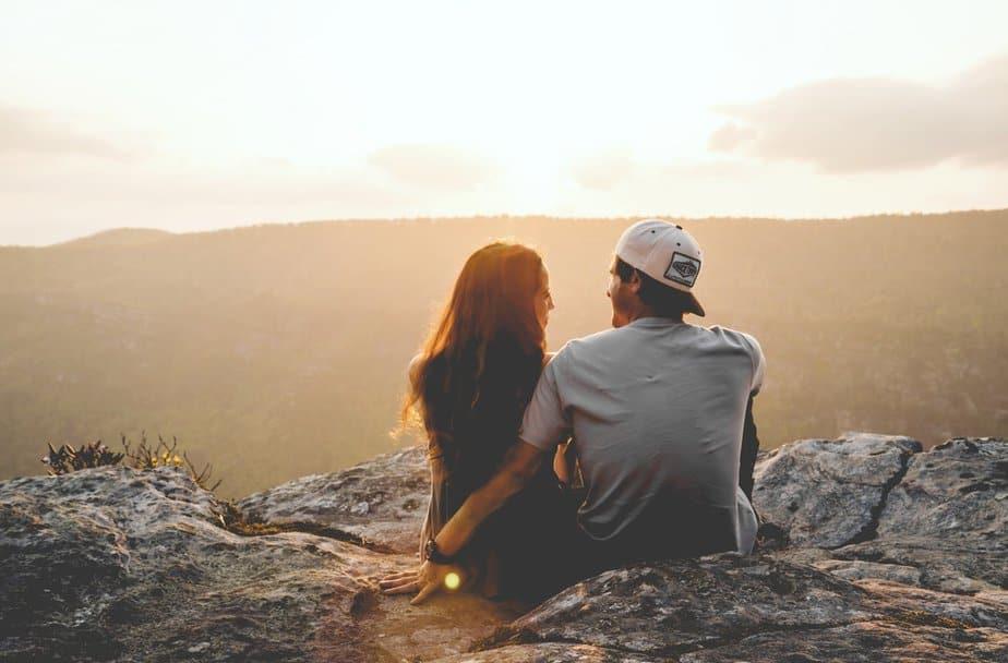 Hoe Weet Je Of Hij Je Leuk Vindt? 15 Signalen Dat Hij Je Echt Leuk Vindt