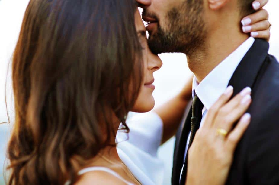 Echte Mannen Beschermen Hun Vrouw, Ze Mishandelen Haar Niet