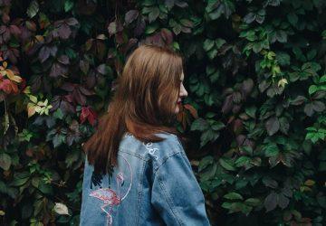 9 Manieren Waarop Kinderen Van Narcistische Ouders Anders Liefhebben