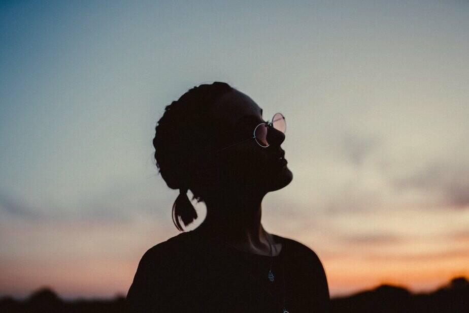 Aan De Vrouw Die De Liefde Bijna Wil Opgeven, Er ZAL Iets Goeds Op Je Pad Komen