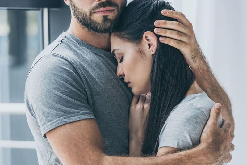 10 Signalen Van Een Ongelukkig Huwelijk (En Hoe Je Je Huwelijk Kunt Redden)