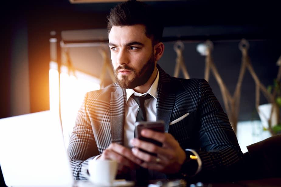 Als Een Man Zijn Telefoon Verstopt, Gaat Hij Dan Vreemd?