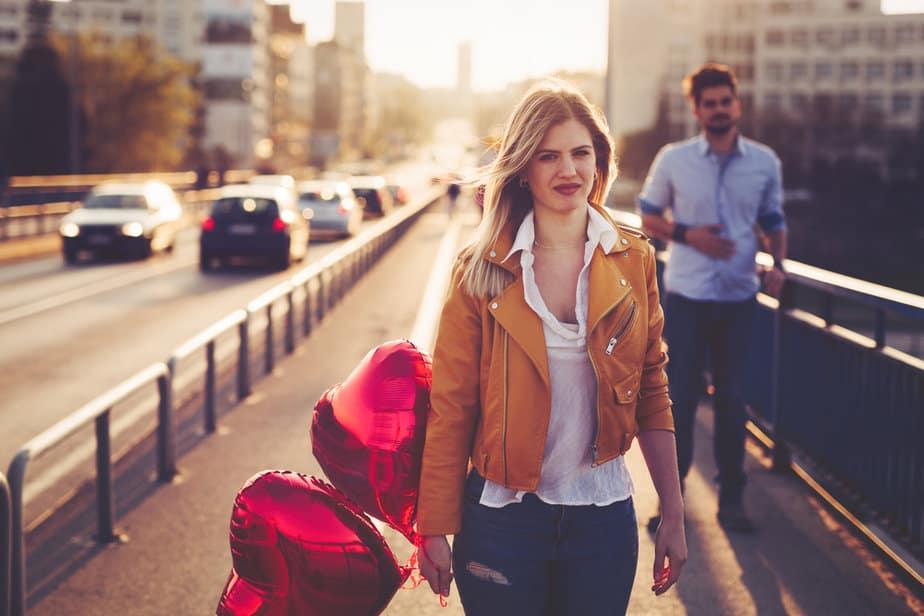 12 Signalen Dat Je Zijn Tweede Keus Bent (In Plaats Van Zijn Prioriteit)