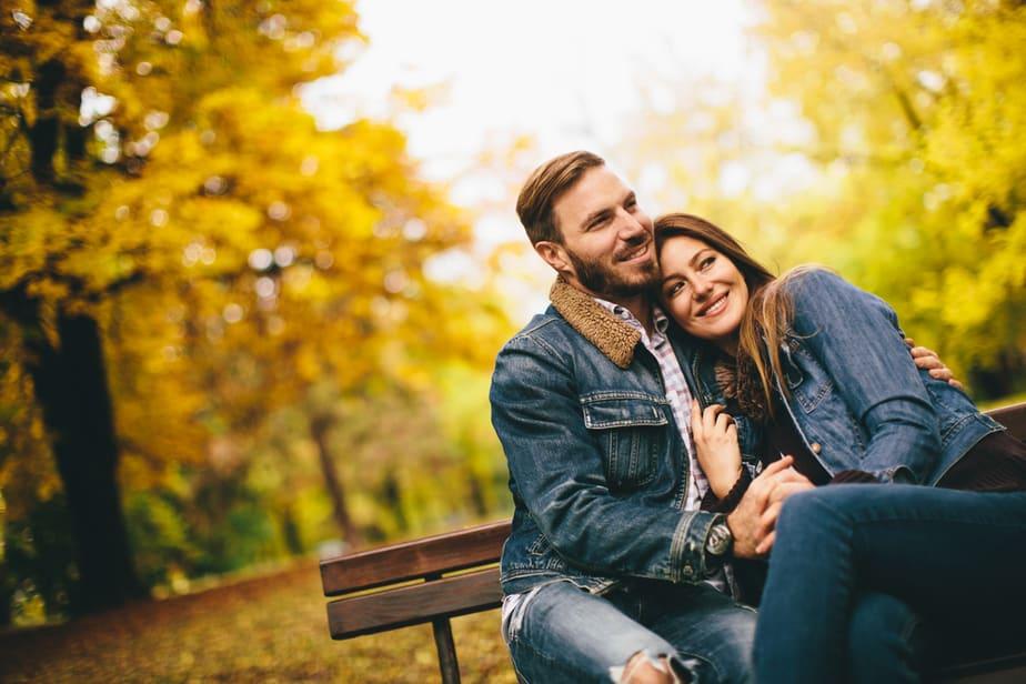 10 Signalen Dat Hij Stiekem Verliefd Op Je Is