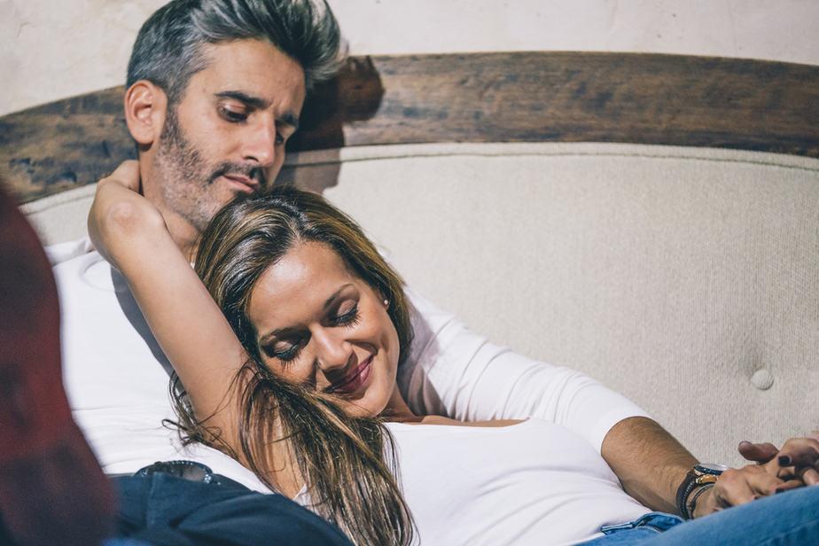 11 Dingen Die De Man Van Wie Je Houdt Ongevraagd Voor Je Zou Moeten Doen