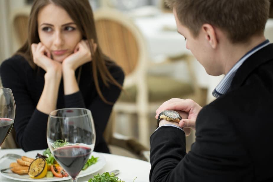 11 Duidelijke Signalen Dat Hij Van De Andere Vrouw Houdt