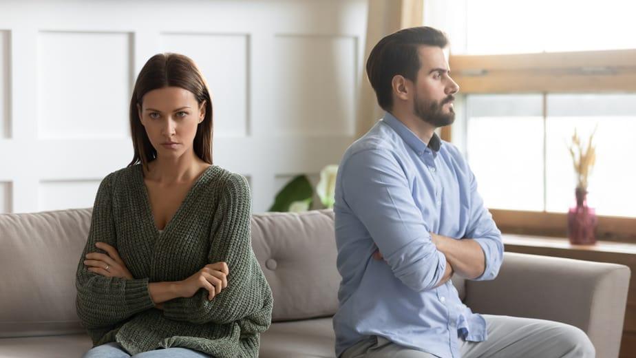 11 Hartverscheurende Signalen Dat Je Voor Hem Nooit Een Prioriteit Zal Zijn