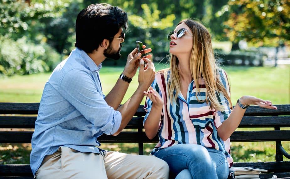 De 8 Meest Voorkomende Signalen Dat Je Partner Niet Bij Je Past