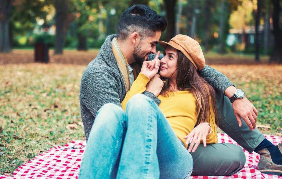 5 Redenen Waarom Mannen Gewoon Gek Zijn Op Moeilijke Vrouwen