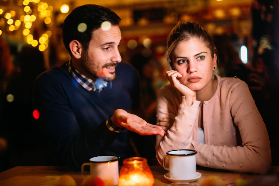 6 Duidelijke Tekenen Dat Hij Beledigend Is En Niets Om Jouw Gevoelens Geeft