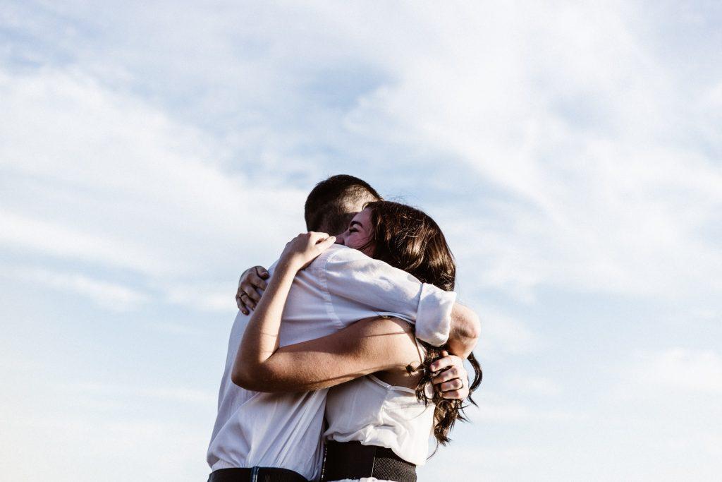 10 Gedragingen Die Vrouwen Vertonen Wanneer Ze Met Hun Ware Liefde Zijn