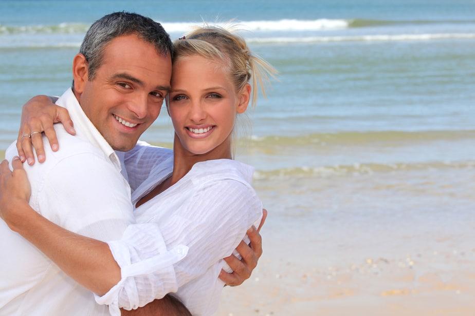 6 Redenen Waarom Leeftijdsverschil In Een Relatie (Meestal) Een Probleem Is
