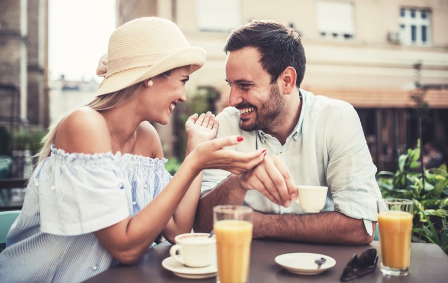 Als Ze Deze 8 Dingen Doet, Is Ze Je Zielsverwant