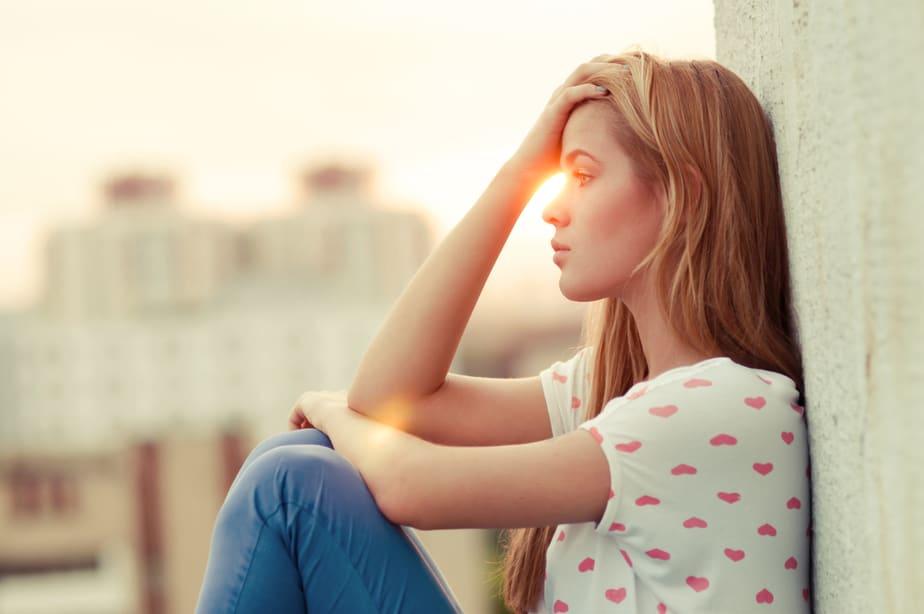 8 Signalen Dat Je Als Kind Emotioneel Verwaarloosd Werd (En Hoe Het Je Nu Beïnvloedt)