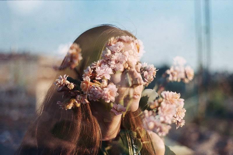 10 Regels Waar Elke Spiritueel Empowerde Vrouw Naar Leeft