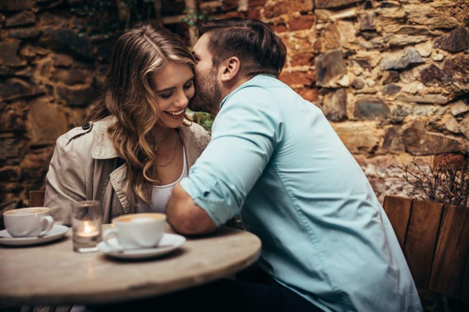 Hoe Weet Je Of Een Man Oprecht In Je Geïnteresseerd Is (Volgens Een Man)